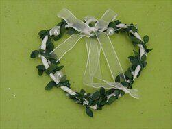 Srdce závěs kov 10x9,5cm bílá/zelená - velkoobchod, dovoz květin, řezané květiny Brno