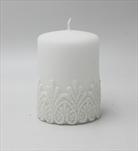 Sv svíčka válec malý bílý Koronka - velkoobchod, dovoz květin, řezané květiny Brno