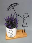 Květináč s kovovou figurkou - velkoobchod, dovoz květin, řezané květiny Brno